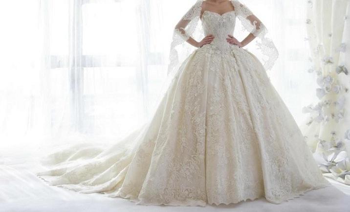 7cdd50efe221c Hayallerinizdeki Gelin Olmak İçin; Prenses Gelinlik Modelleri